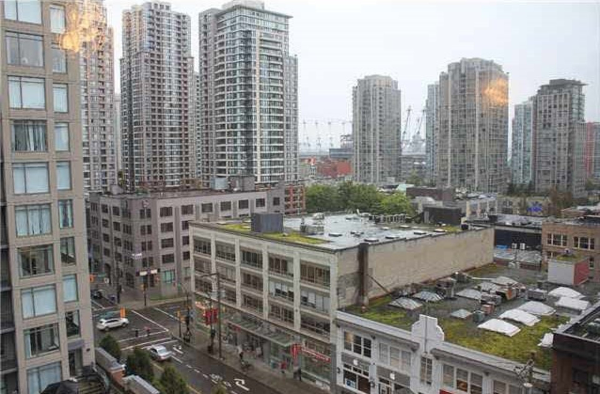 258159542-9 at 1005 - 1055 Homer Street, Yaletown, Vancouver West