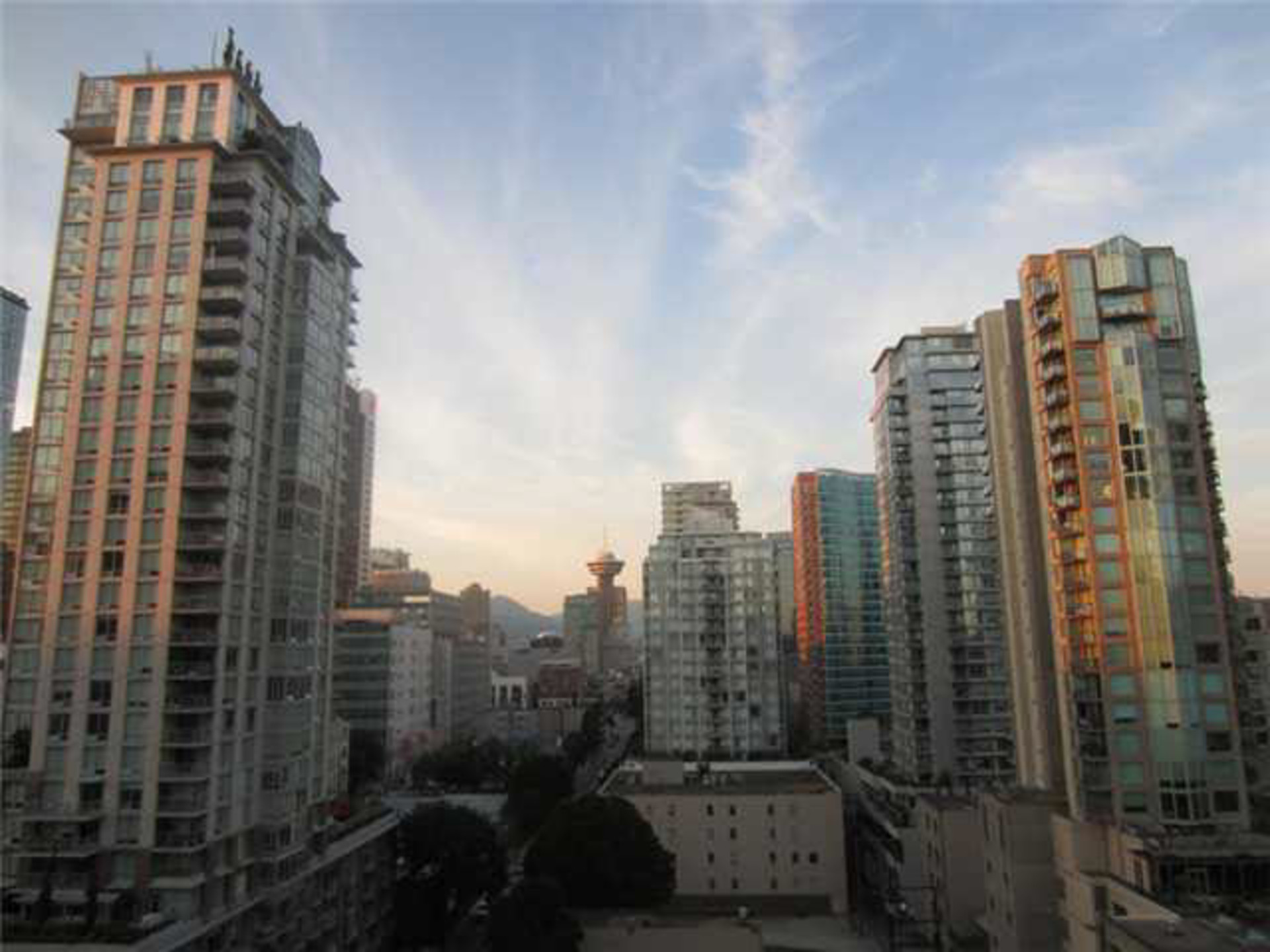 259645770-1 at 1601 - 928 Richards Street, Yaletown, Vancouver West