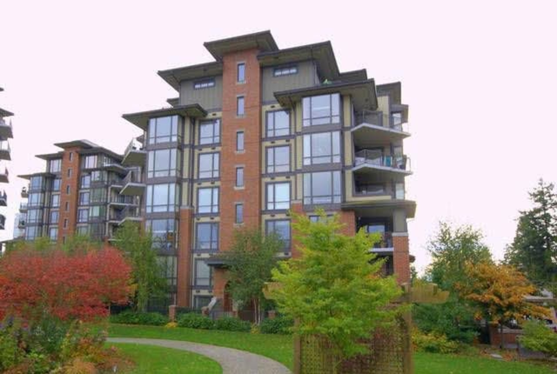 259751308 at 203 - 1580 Martin Street, White Rock, South Surrey White Rock