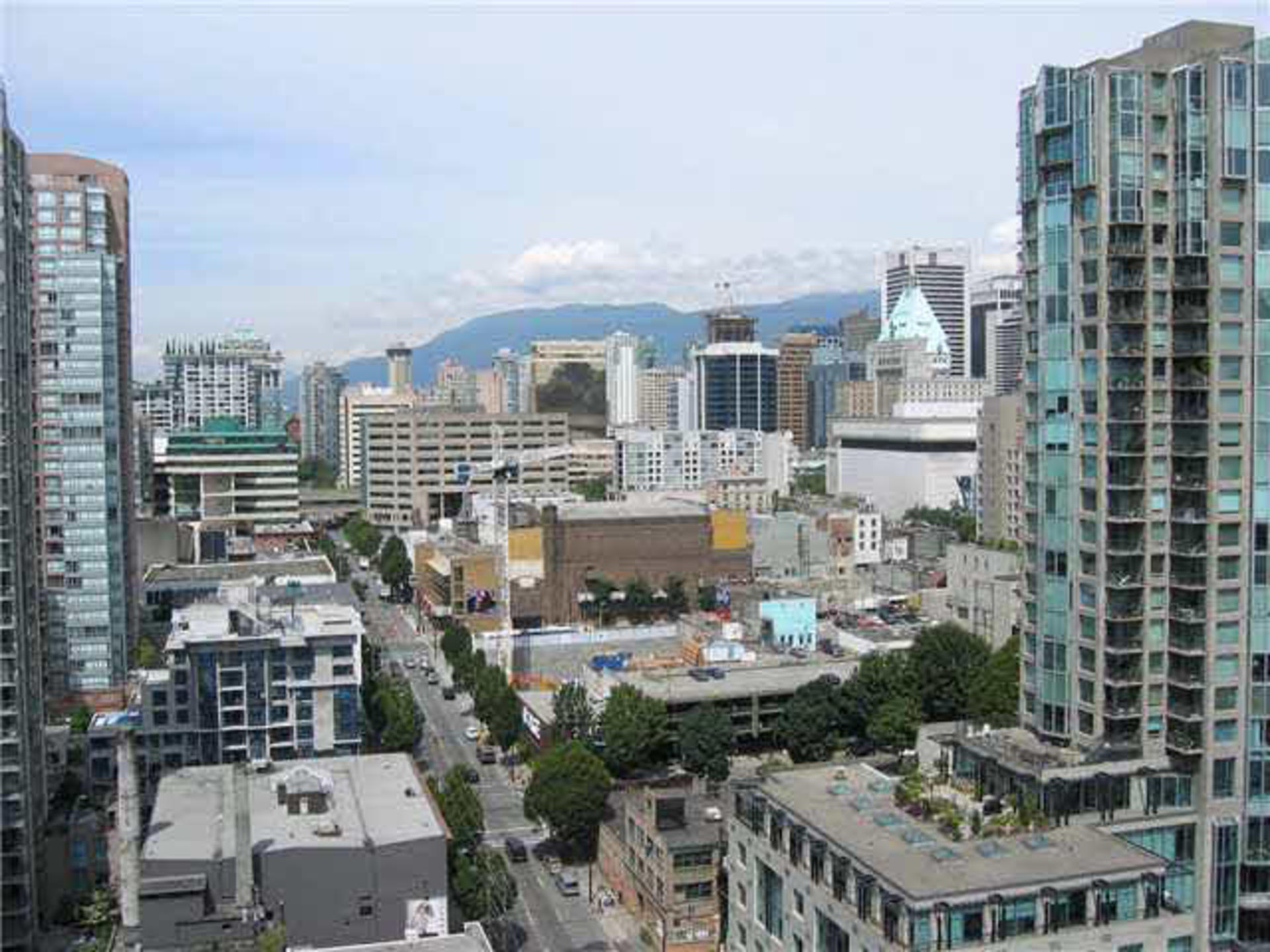 2 at 2203 - 909 Mainland Street, Yaletown, Vancouver West