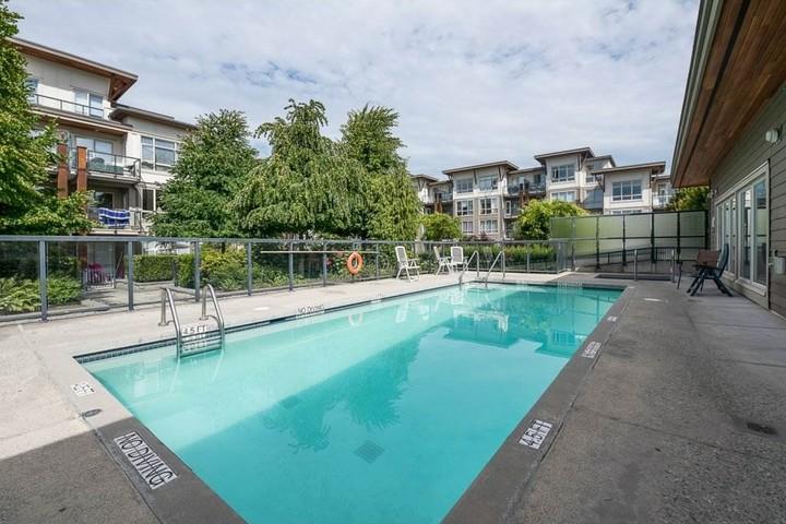 pool at 406 - 15988 26 Avenue, Grandview Surrey, South Surrey White Rock