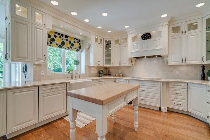 Kitchen at 13342 25 Avenue, Elgin Chantrell, South Surrey White Rock