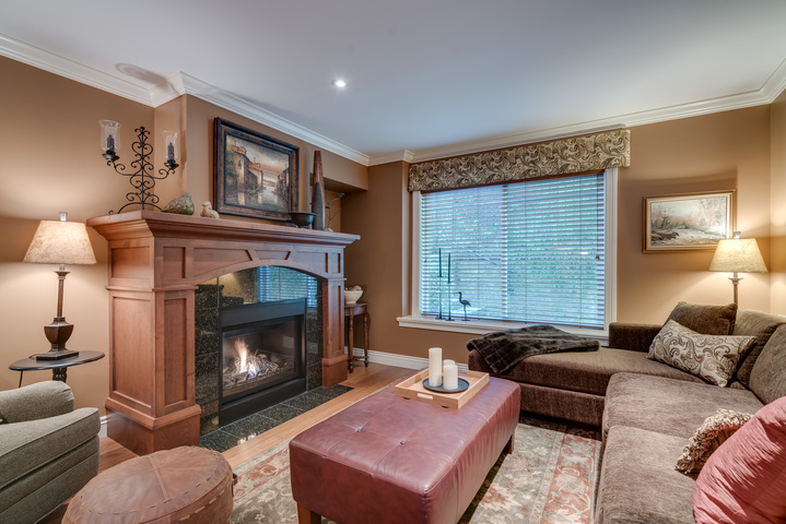 Family Room at 13342 25 Avenue, Elgin Chantrell, South Surrey White Rock