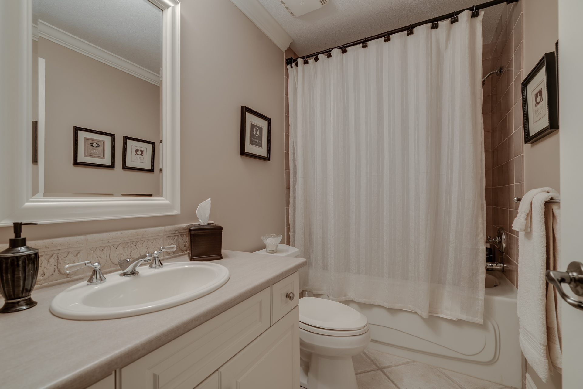 Bathroom at 13342 25 Avenue, Elgin Chantrell, South Surrey White Rock
