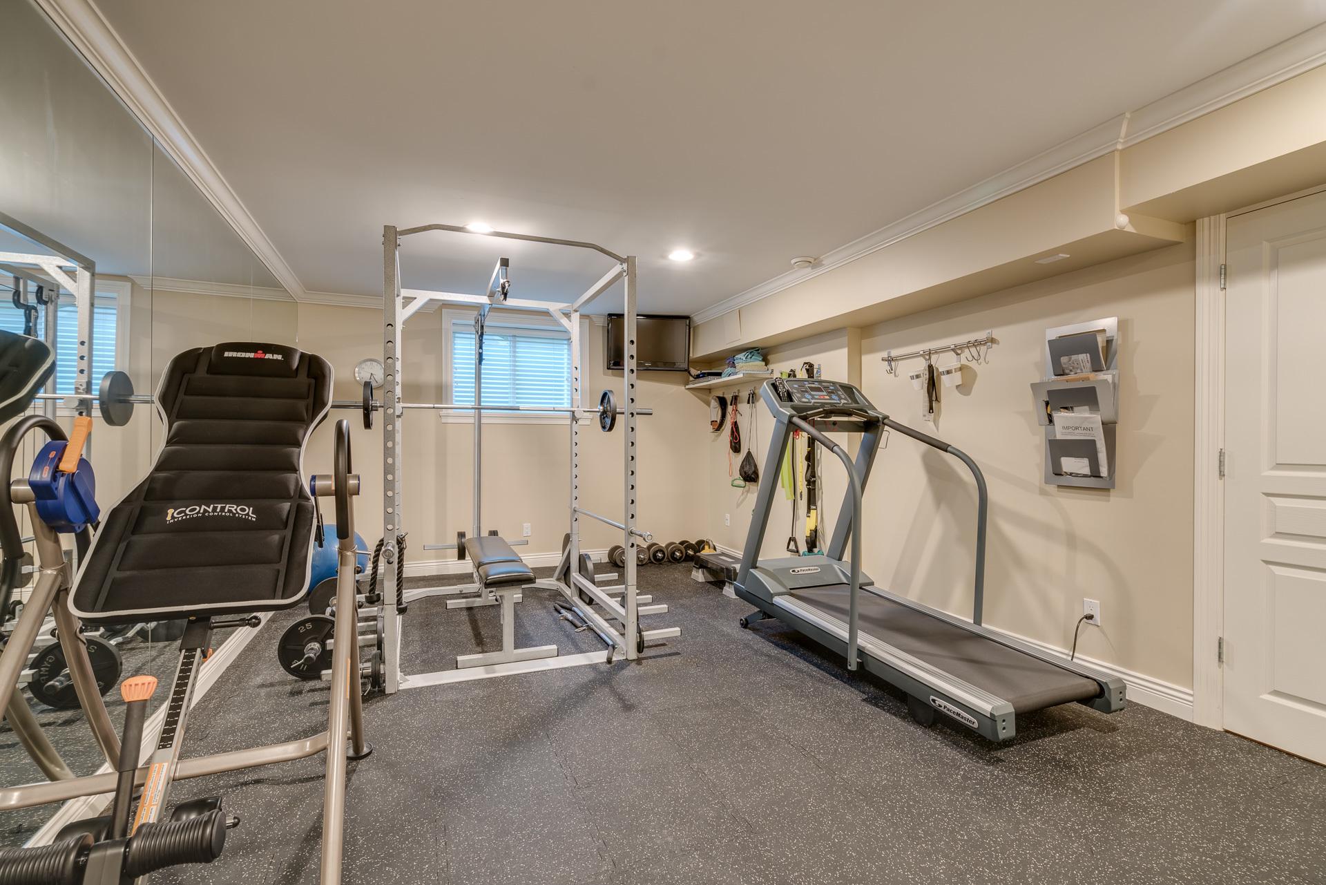 Gym at 13342 25 Avenue, Elgin Chantrell, South Surrey White Rock