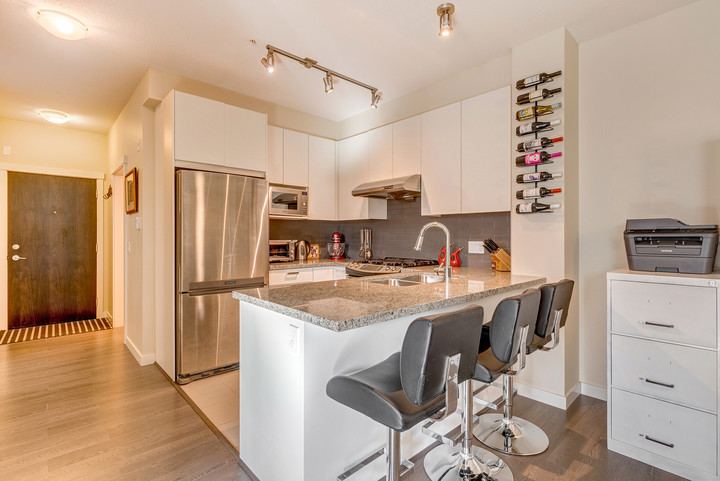 Kitchen at 337 - 9388 Mckim Way, West Cambie, Richmond