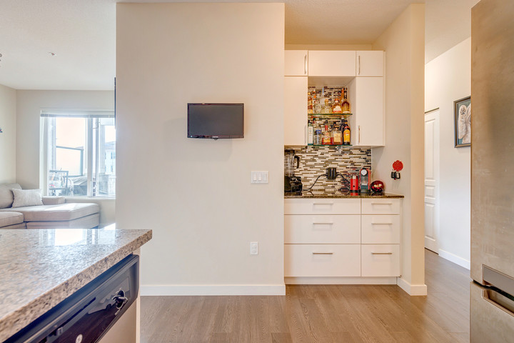 39475_14 at 337 - 9388 Mckim Way, West Cambie, Richmond