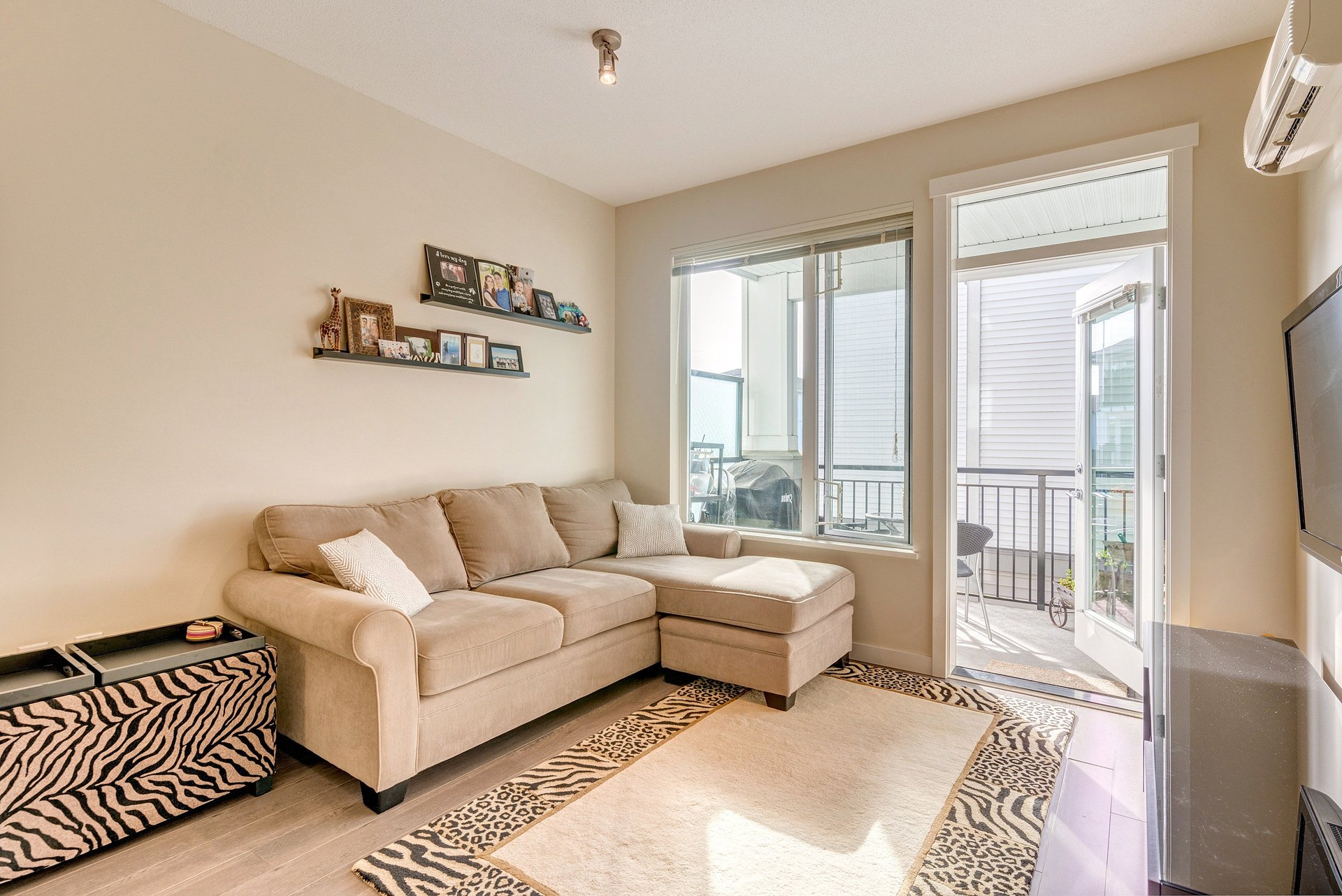 Living Room at 337 - 9388 Mckim Way, West Cambie, Richmond
