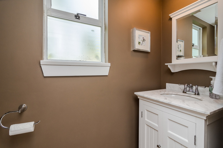 Powder Room at 2421 127 Street, Crescent Bch Ocean Pk., South Surrey White Rock