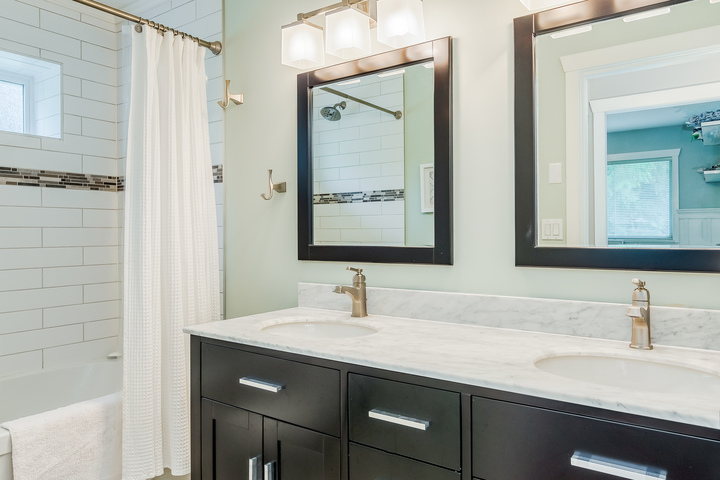 Master Bedroom Ensuite at 2421 127 Street, Crescent Bch Ocean Pk., South Surrey White Rock