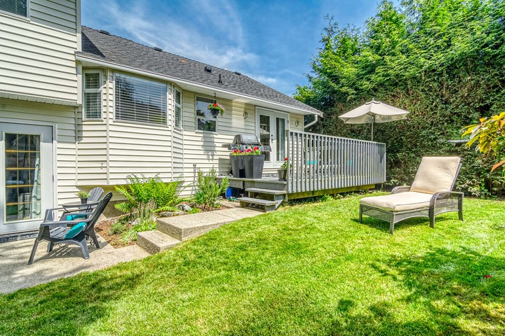 Backyard & Patio at 2421 127 Street, Crescent Bch Ocean Pk., South Surrey White Rock