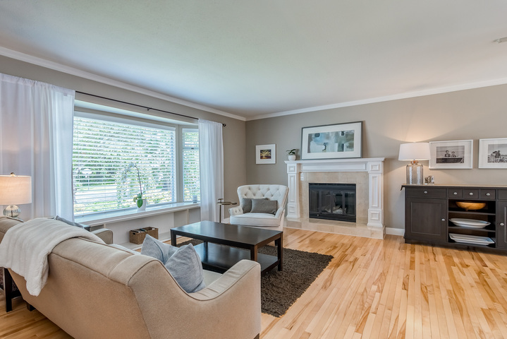 Living Room at 2421 127 Street, Crescent Bch Ocean Pk., South Surrey White Rock