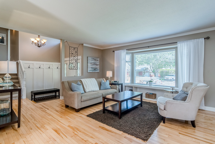 Living Room & Foyer  at 2421 127 Street, Crescent Bch Ocean Pk., South Surrey White Rock
