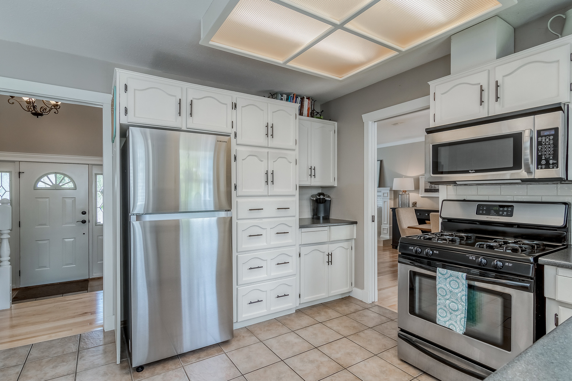 Kitchen at 2421 127 Street, Crescent Bch Ocean Pk., South Surrey White Rock