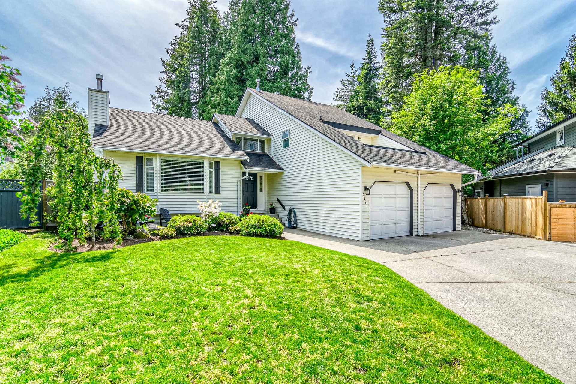 Front Exterior at 2421 127 Street, Crescent Bch Ocean Pk., South Surrey White Rock