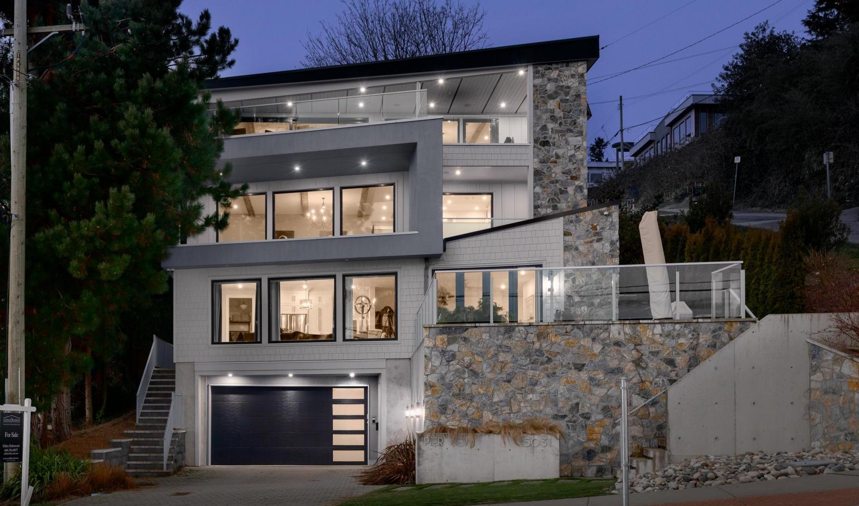 15031 Victoria Avenue, White Rock, South Surrey White Rock