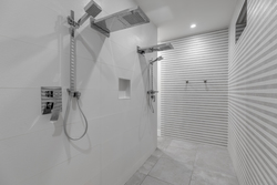 13-master-shower at 15031 Victoria Avenue, White Rock, South Surrey White Rock