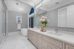 13-upper-level-master-ensuite-with-extended-cabinetry-and-soaker-tub at 13175 19a Avenue, Crescent Bch Ocean Pk., South Surrey White Rock