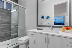 13-ensuite-bathroom at 2235 153a Street, King George Corridor, South Surrey White Rock