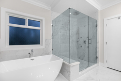 18-master-bedroom-soaker-tub-and-oversized-shower at 2235 153a Street, King George Corridor, South Surrey White Rock