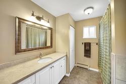11-full-bathroom at 848 Keil Street, Sunnyside Park Surrey, South Surrey White Rock