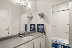 17-bathroom-ensuite at 15561 20 Avenue, King George Corridor, South Surrey White Rock