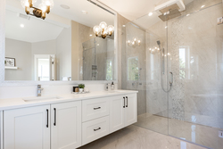 24-oversized-master-bathroom-shower at 13156 19a Avenue, Elgin Chantrell, South Surrey White Rock