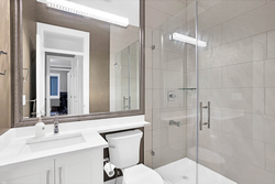15-bathroom-on-the-main at 7718 154a Street, Fleetwood Tynehead, Surrey