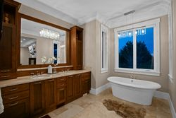 19-master-ensuite-on-main-soaker at 355 198 Street, Campbell Valley, Langley