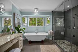 24-master-soaker-bath at 13877 32 Avenue, Elgin Chantrell, South Surrey White Rock