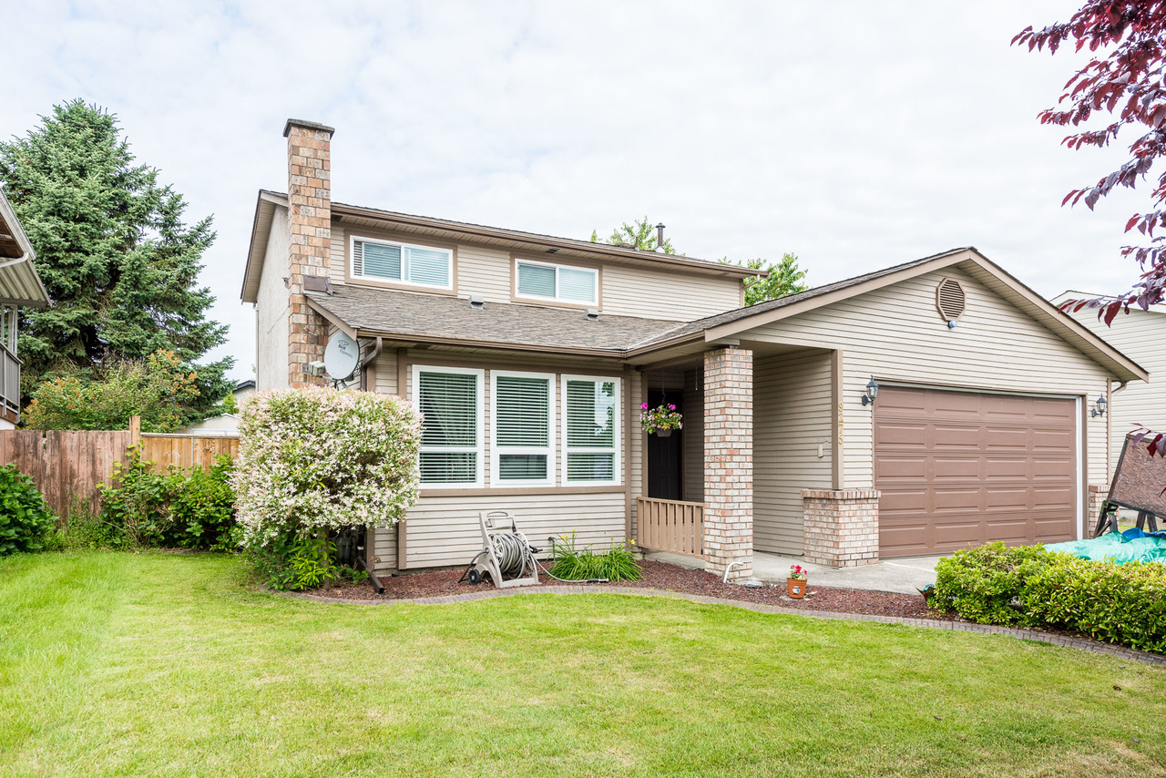 9275 212b Street, Walnut Grove, Langley