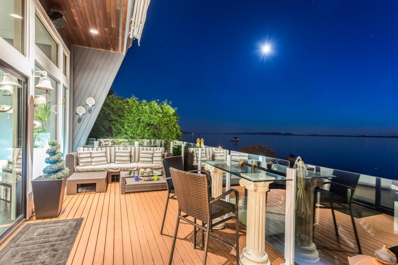 Evening Patio 2 at 924 Tsawwassen Beach Road, Tsawwassen