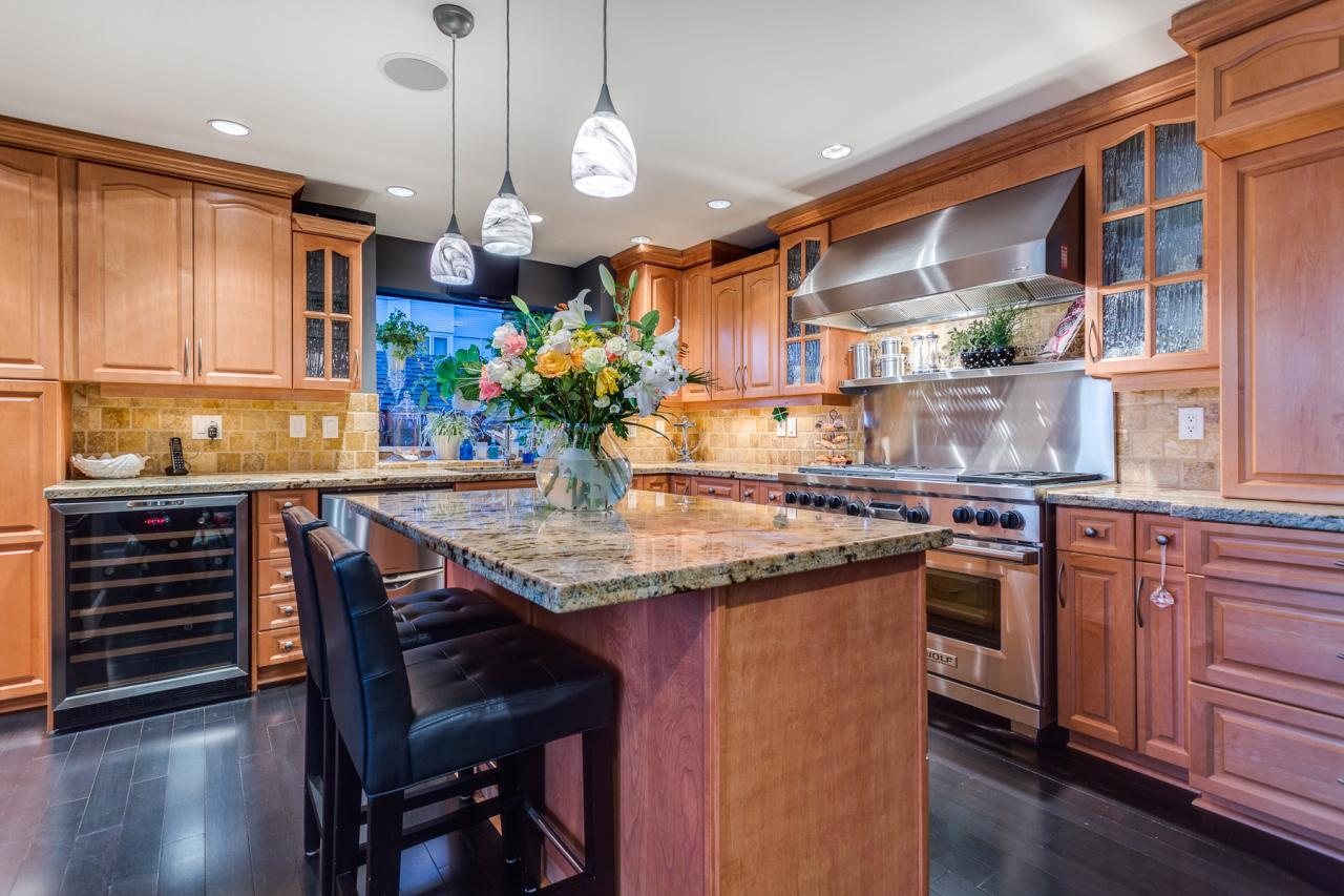 Kitchen 2 at 924 Tsawwassen Beach Road, Tsawwassen