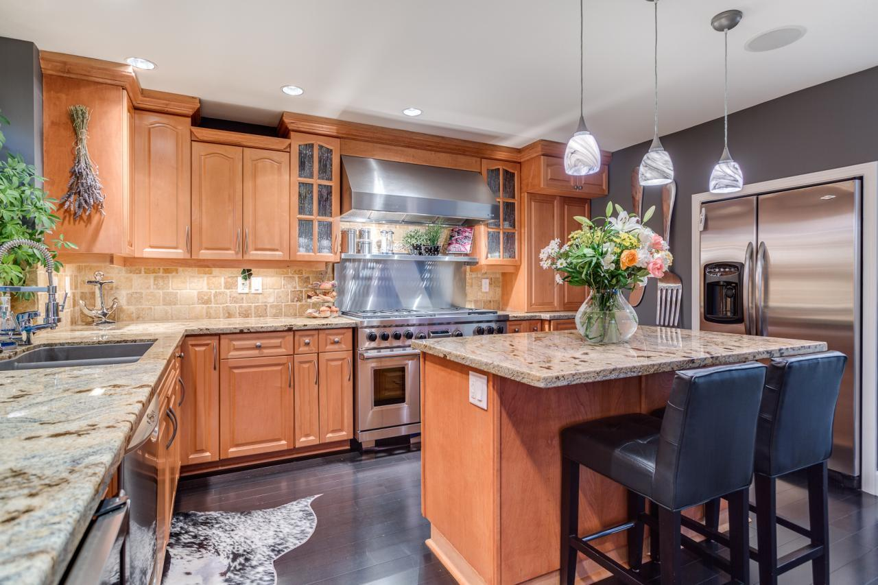 Kitchen 1 at 924 Tsawwassen Beach Road, Tsawwassen