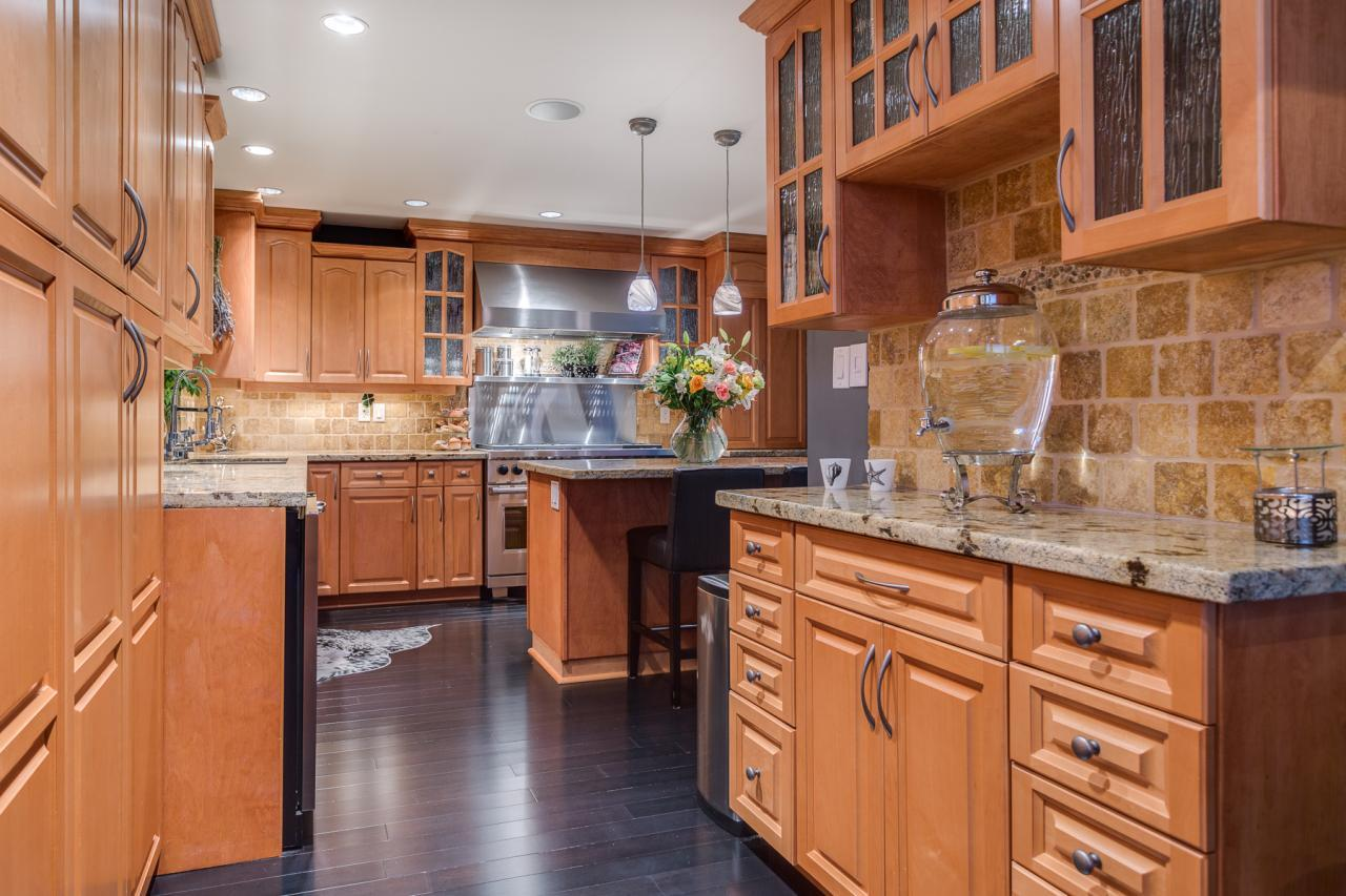 Kitchen 3 at 924 Tsawwassen Beach Road, Tsawwassen