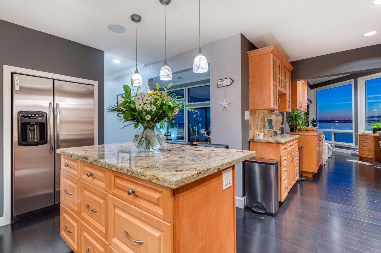 Kitchen 4 at 924 Tsawwassen Beach Road, Tsawwassen