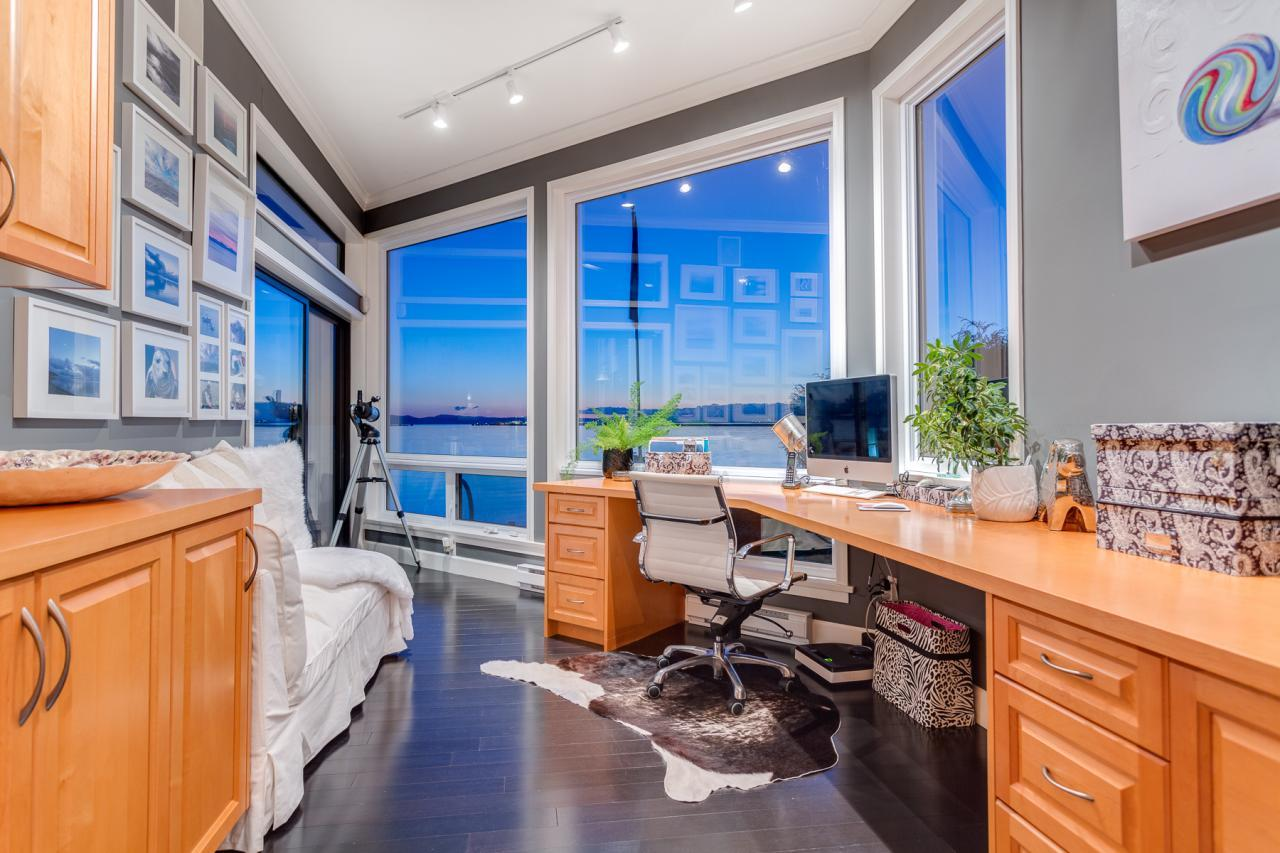 Office Nook 2 at 924 Tsawwassen Beach Road, Tsawwassen