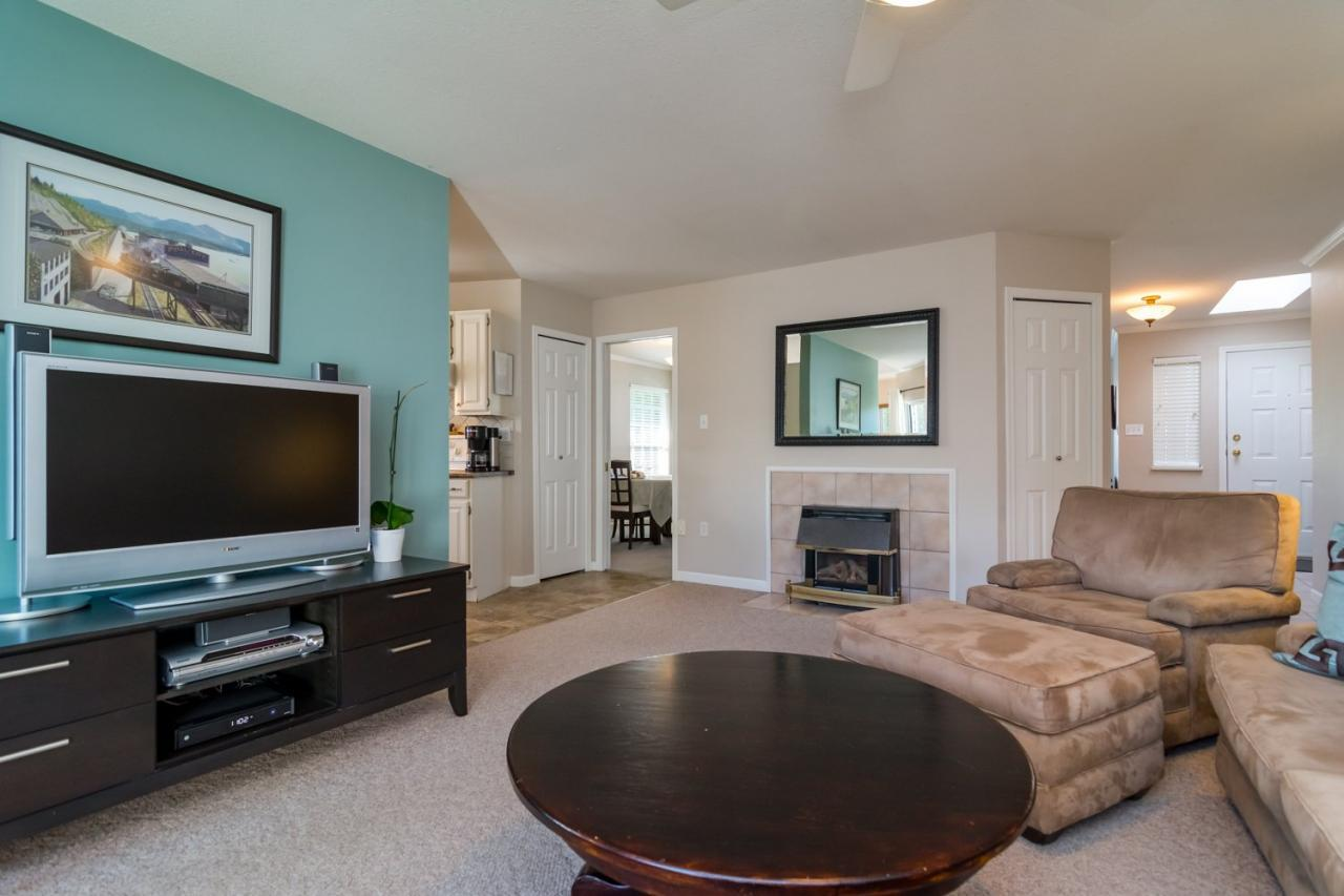 Family Room 3 at 9744 205a Street, Langley City, Langley