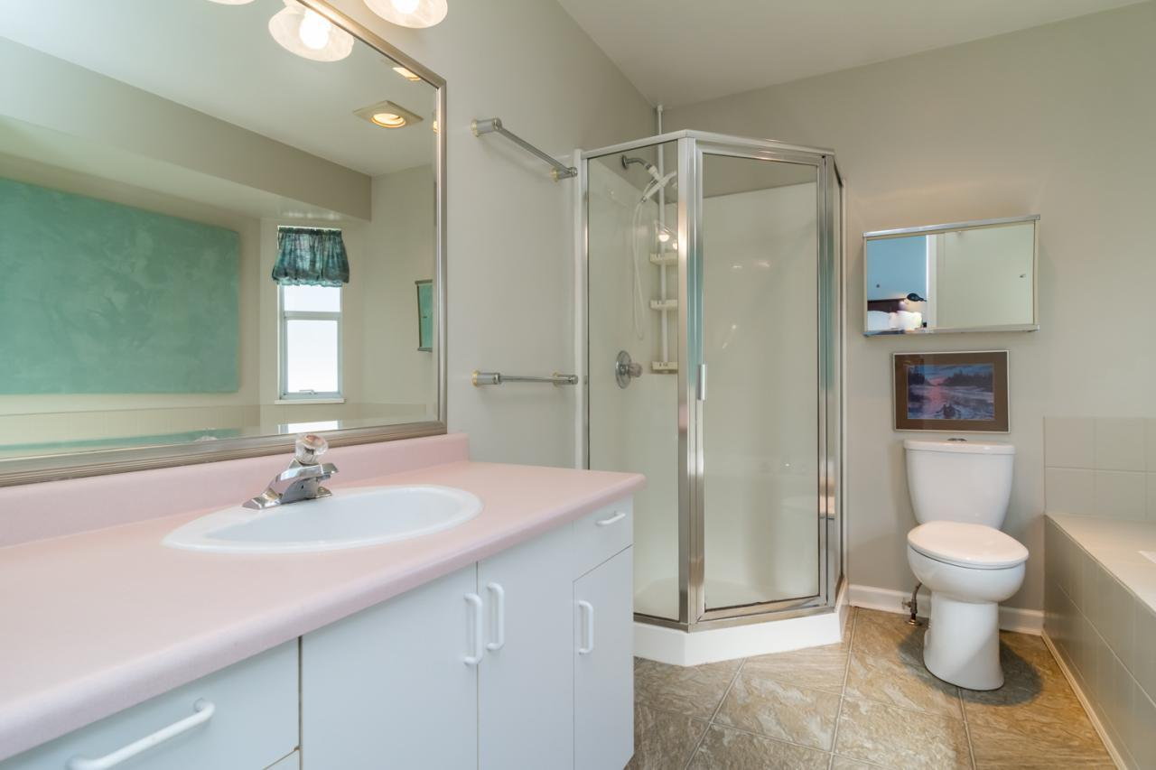 Master Bathroom at 9744 205a Street, Langley City, Langley