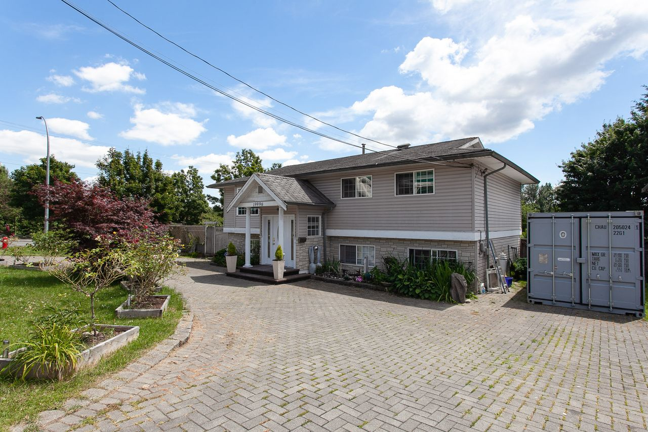 3 at 19996 68 Avenue, Willoughby Heights, Langley