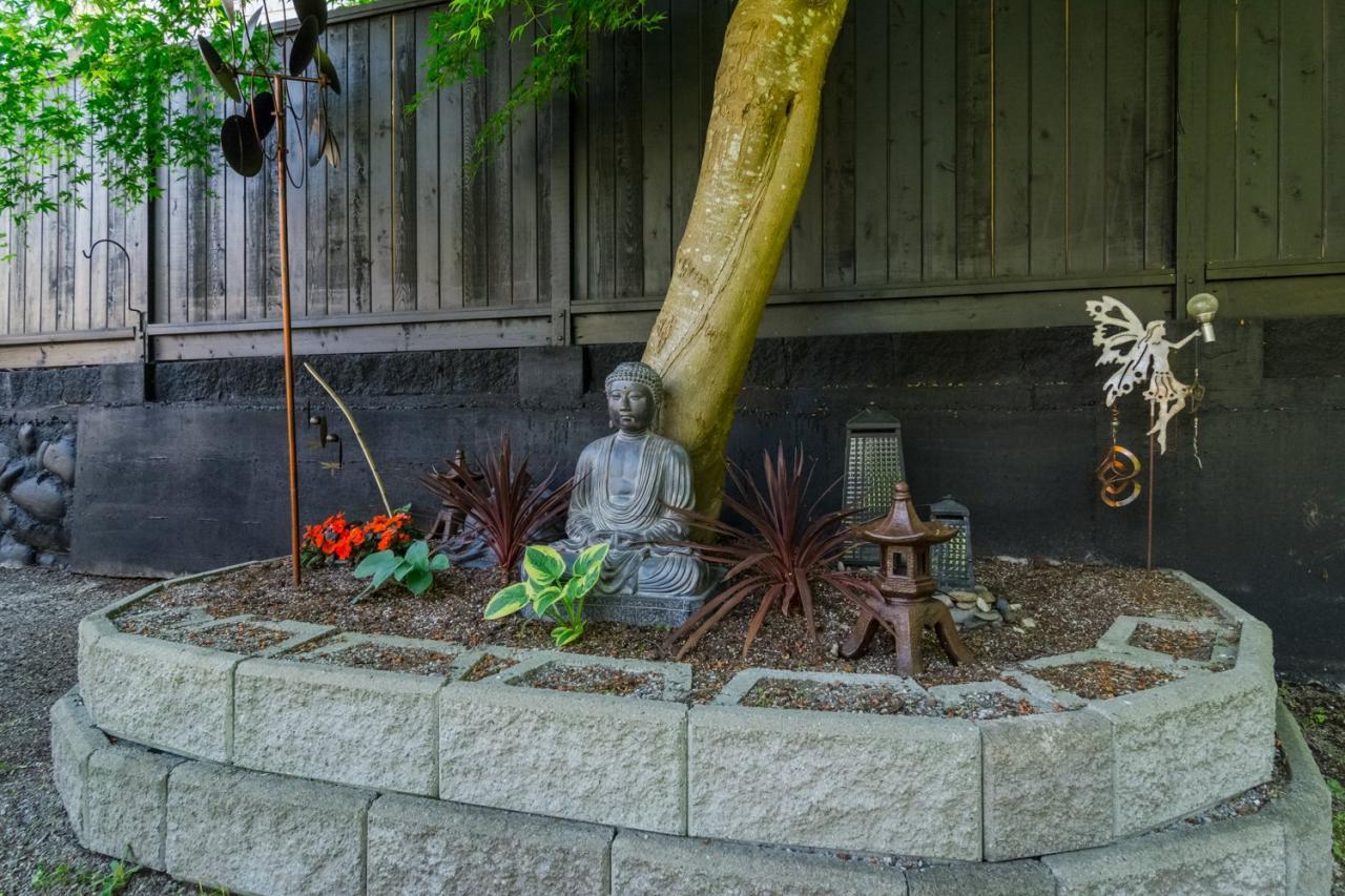 Garden at 11520 95 Avenue, Annieville, N. Delta