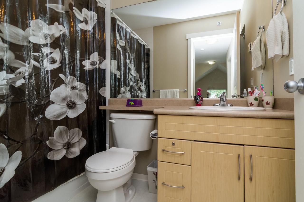 Bathroom 3 at 22 - 20761 Duncan Way, Langley