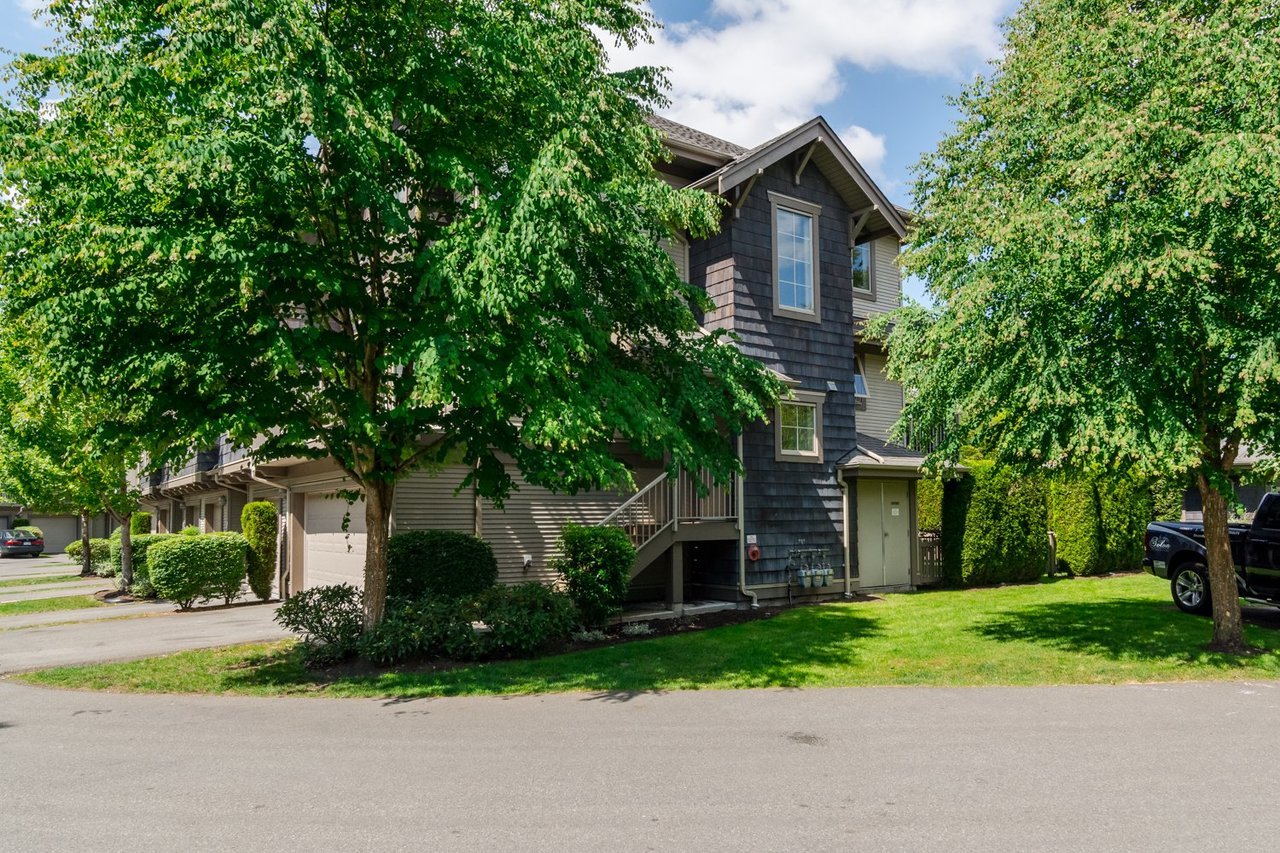 Side  at 22 - 20761 Duncan Way, Langley