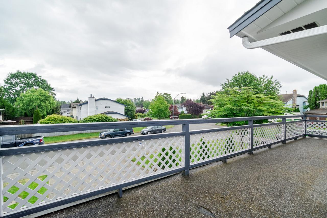 Deck 2 at 9473 212a, Langley