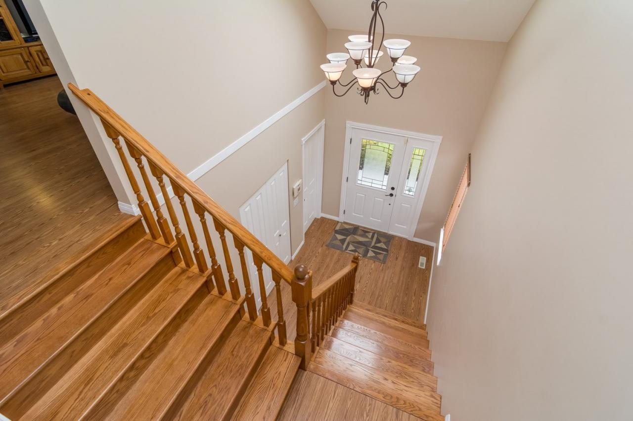 Stairway at 6375 187a Street, Cloverdale