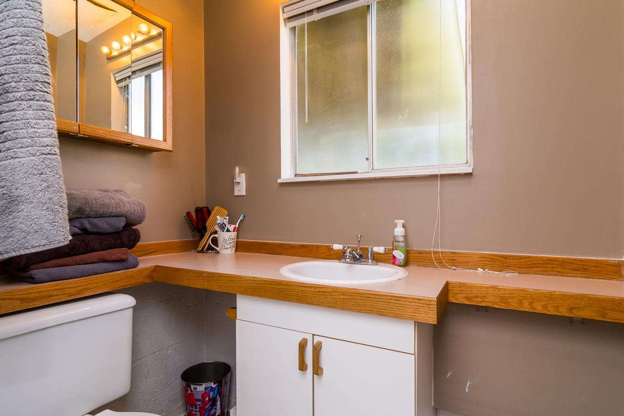 Pwder Room at 26974 29 Avenue, Aldergrove Langley, Langley