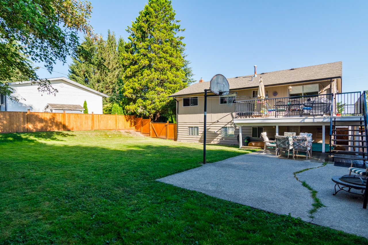 Basketball area at 26974 29 Avenue, Aldergrove Langley, Langley