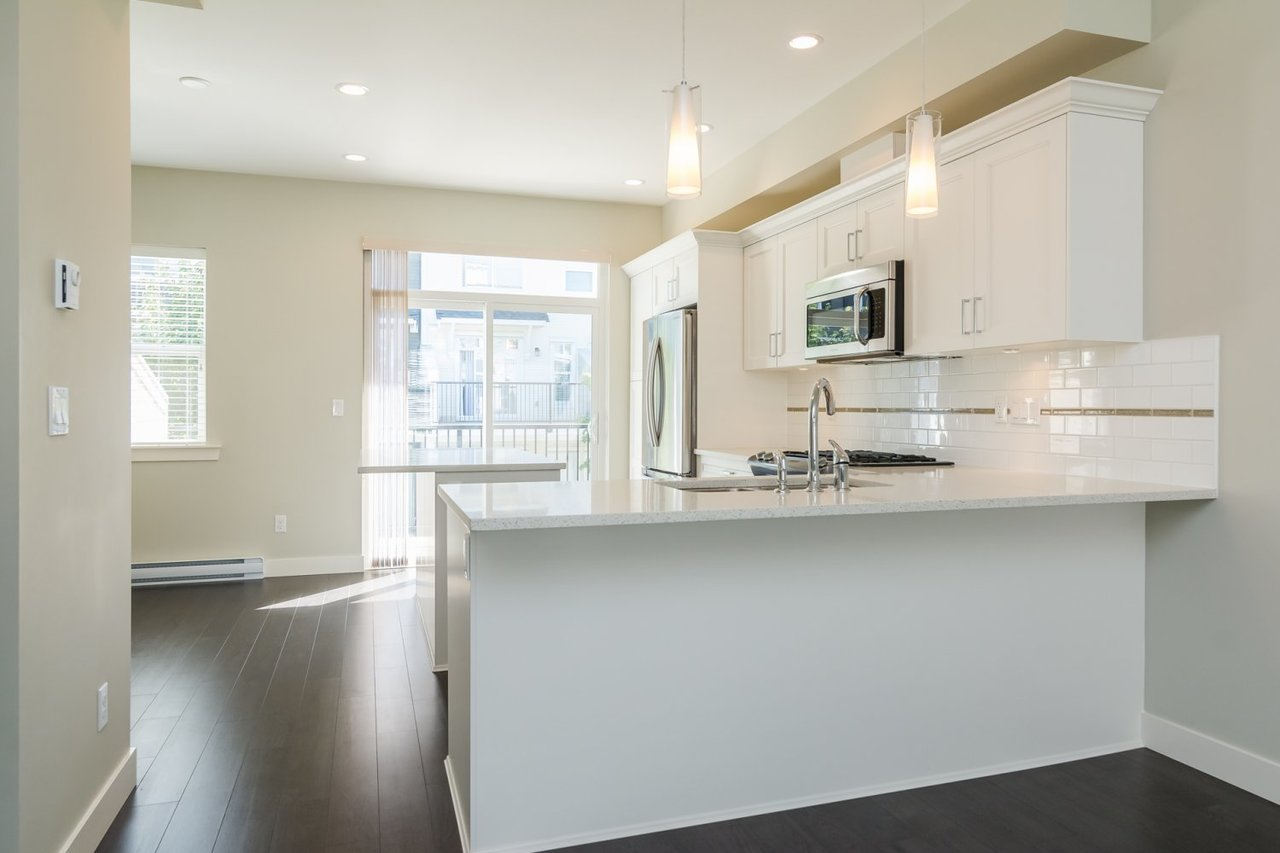 Kitchen 5 at 67 - 2469 164th Street, Surrey