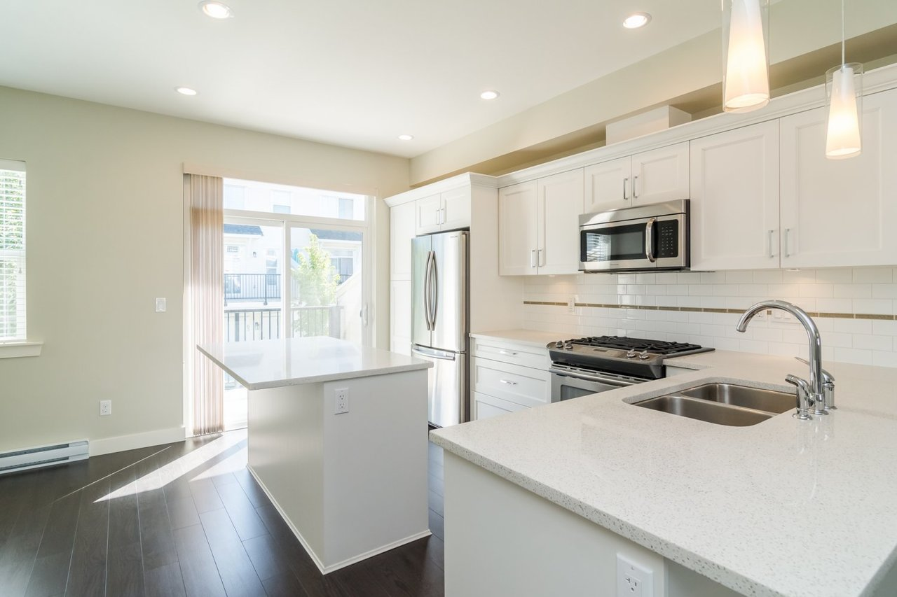 Kitchen 6 at 67 - 2469 164th Street, Surrey