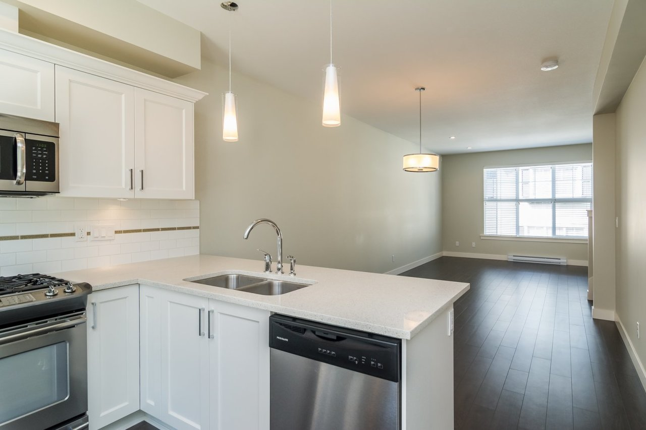Kitchen 4 at 67 - 2469 164th Street, Surrey